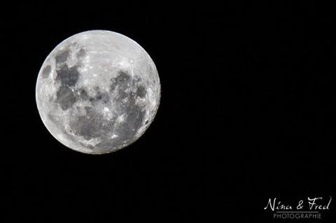 photographie de la pleine lune