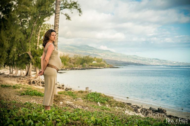 femme enceinte au bord de l'eau Ludmilla