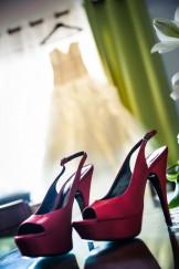 chaussures avec robe en arrière plan