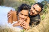 Trash the Dress à la Réunion - mariés couchés dans l