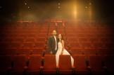 Trash the Dress à la Réunion - Mariés dans une salle de cinéma
