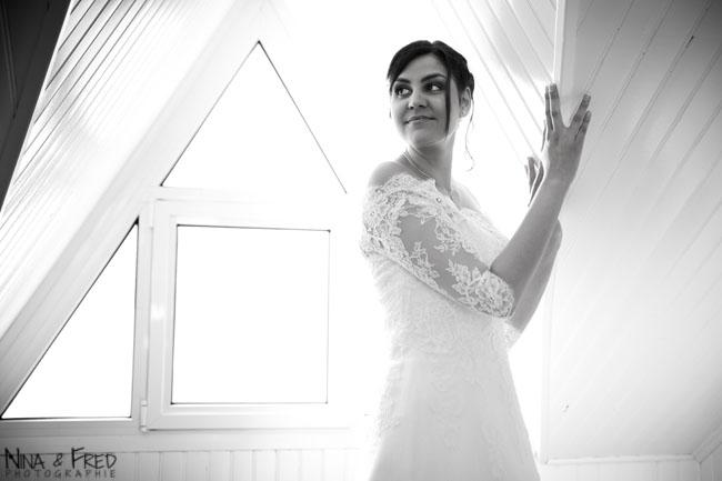 photo de la mariée en noir et blanc Evelyne