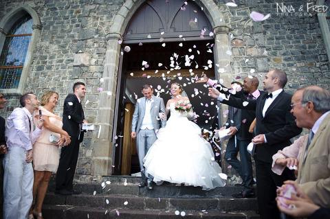 sortie de l'église mariage d'Elodie et Aurélien