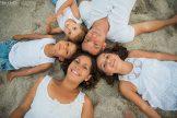 photo en famille dans le sable