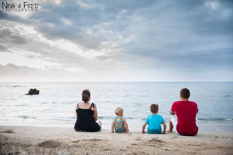 famille à la plage à la Réunion C&R