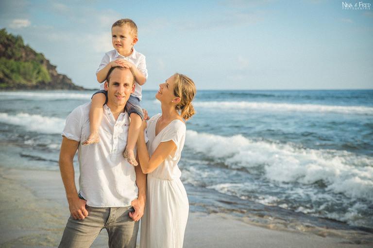 famille sur la plage Réunion M&T