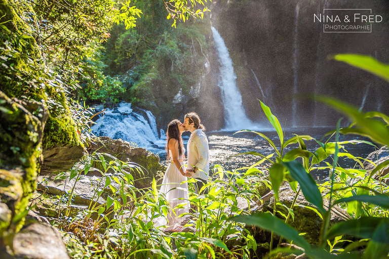 séance photo engagement à la Réunion cascade A&G