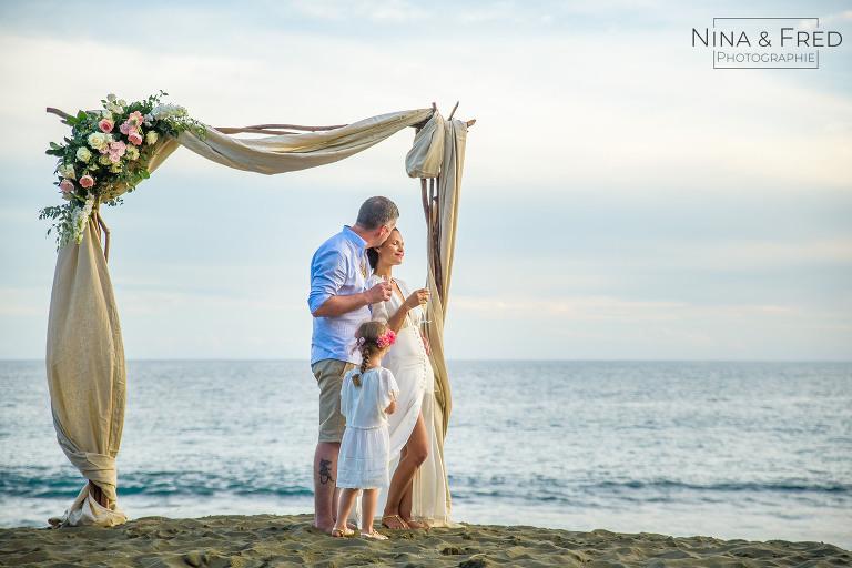 mariage de C&N arche sur la plage
