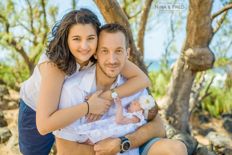 photo famille naissance 974 A&J&J