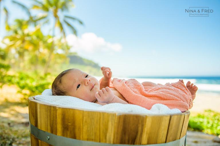séance photo naissance plage tropicale L&J&F